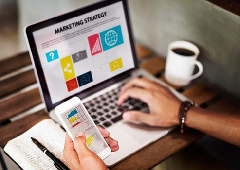 marketing strategy connting digital devices concept 53876 23053 - Новые возможности CRM